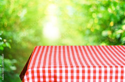 Keuken foto achterwand Picknick Empty checkered table background