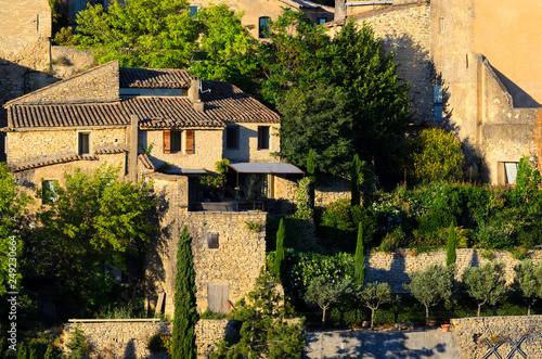 Valokuva The town of Gordes, small charming town in Provence, France