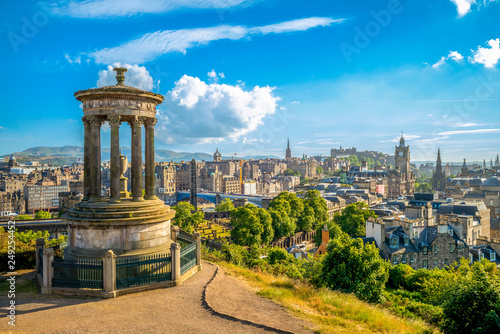 Fotografie, Obraz landscape of calton hill, edinburgh, uk
