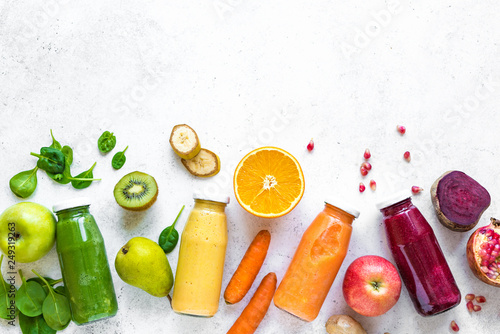 Photo sur Toile Cuisine Smoothies and ingredients