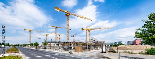 Großbaustelle mit Kränen als Industrie Panorama Wallpaper Mural