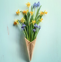 Waffle Cone With Muscari And D...