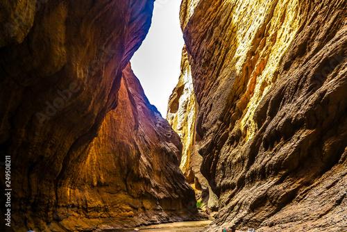 Marron chocolat Tianshan Grand Canyon 21