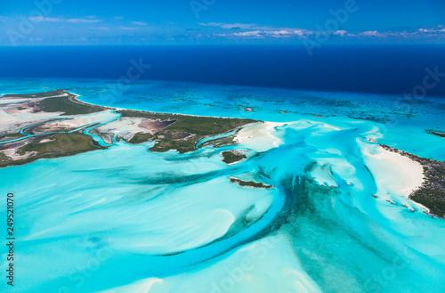 Poster Turquoise Aerial view, Exuma, Bahamas, America