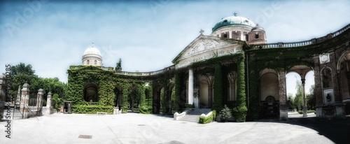Deurstickers Oude gebouw The Mirogoj cemetery in Zagreb, Croatia.