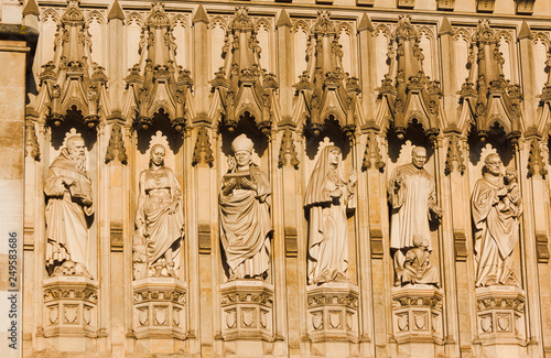 Foto  sculptures - Westminster Palace - London