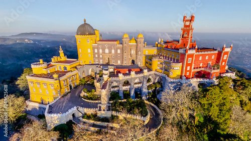 Vista do Palácio da Pena em Sintra Portugal Tablou Canvas