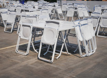 Groups Of White Collapsible Ch...