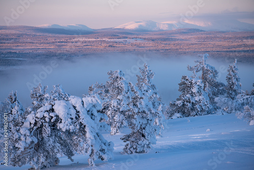 Photographie  Winter landscape scene in Levi ski resort with Pallas fells in the background in