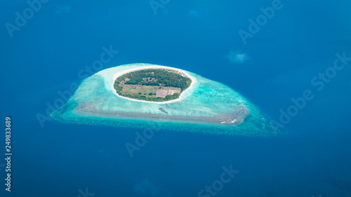 Fotografia, Obraz Maldives from the Sky with the blue sea and white sand and beach in the indian o