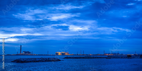 Photo  Panorama photos Power generation Located in the middle of the sea