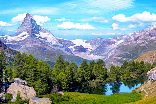 Foto auf Gartenposter Flieder Beautiful landscape with the Matterhorn in the Swiss Alps, near Zermatt, Switzerland, Europe