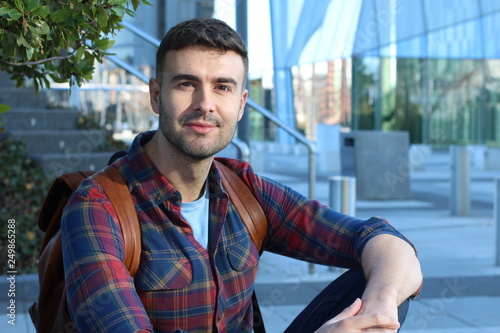 Papel de parede 30 years old natural looking man