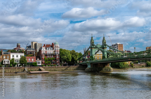 Fotografie, Obraz  The Hammersmith Bridge, a suspension bridge that crosses the River Thames in west London
