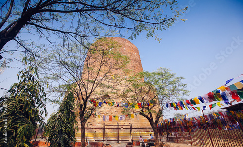 Con. Antique Dhamek Stupa monument, Sarnath, Varanasi, India
