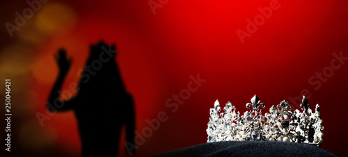 Fotografija  Silver Diamond Crown of Miss Pageant Beauty Universe World Contest sparkle light