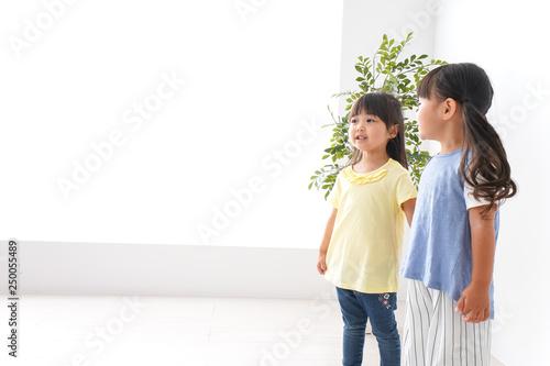 Fotografie, Obraz  友達と遊ぶ女の子たち