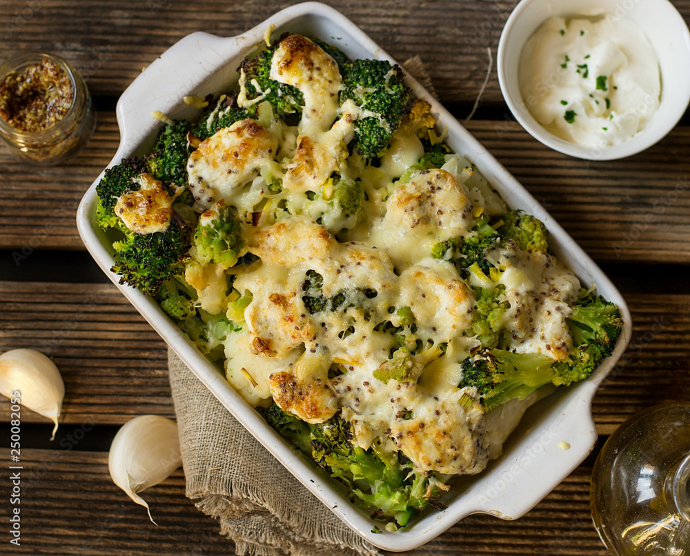 Fototapety, obrazy: Baked gratin of cauliflower, broccoli and romanesco with cream and mustard sauce