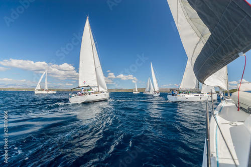 Fotografia Sailing regatta yachts competition