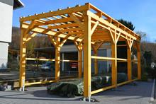 Neuer Carport Aus Lasiertem Holz