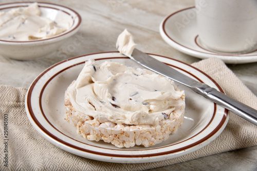 Valokuva  Rice cake with cream cheese