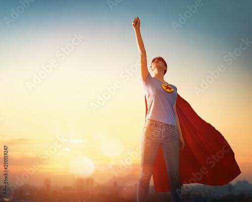 Fotografía woman in superhero costume