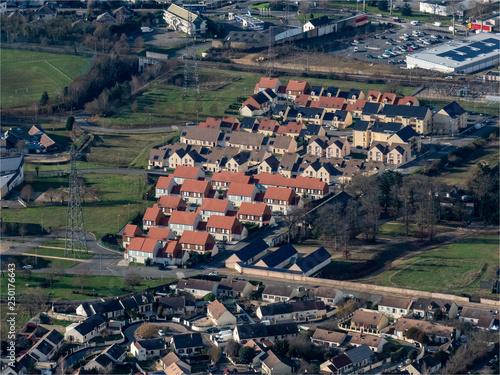 Foto  vue aérienne de la ville de Dreux dans l'Eure-et-Loir en France
