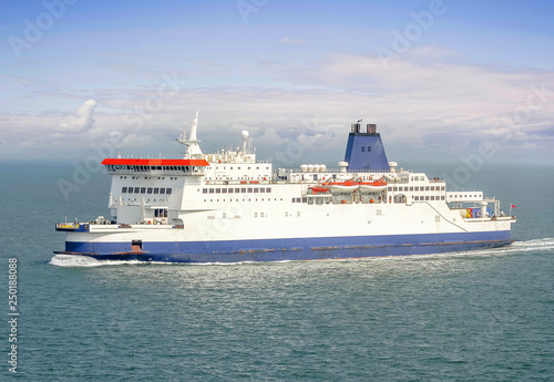 Canvastavla ferry entre Calais et Douvres