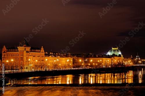 Fotografie, Obraz  Abend in Prag mit Blick von der Karlsbrücke