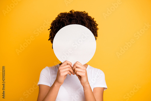 Cuadros en Lienzo  Close up photo beautiful amazing she her dark skin lady hiding face round circle