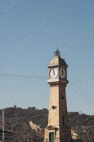 Fotografie, Obraz  Tour horloge à Barcelone
