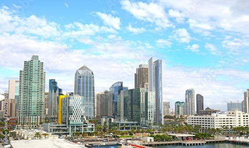 Fotografija San Diego Habour Skyline, California, USA.  Dramatic Cloudy Sky.