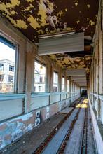 Innenaufnahme Des Viktorianischen Wandelganges Am Schloss Dammsmühle Nach Nutzung Als Kegelbahn Durch Die Stasi
