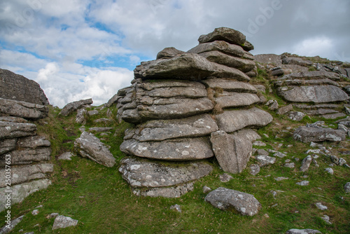 Fotografía  Rough Tor is a tor on Bodmin Moor, near St Breward, Cornwall, UK