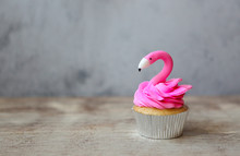 Flamingo Cupcake For The Party