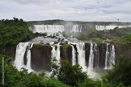 Fotobehang Grijze traf. Iguazu Argentina Brazil South America Waterfall