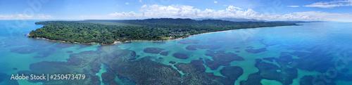 Photo Caribbean sea and coast from drone