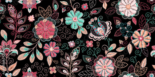In de dag Boho Stijl Embroidery seamless pattern with beautiful flowers. Vector handmade floral ornament on dark background. Embroidery for fashion products. Elegant tiled design, best for print fabric or papper and more.