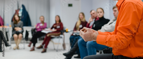 Fotografia Lecturer conducts a lecture, training.