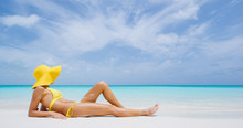 Luxury Beach Travel - Sexy Wom...