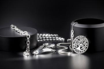 Joyería de joyas de plata d...