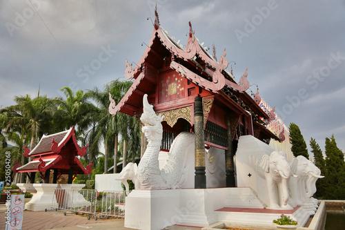 Fotografie, Obraz  dragons guarding temple