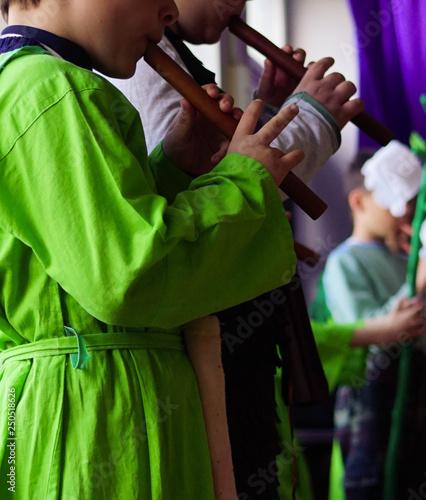 Fotografia, Obraz children play the flute