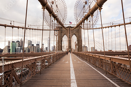 Foto auf Gartenposter Brooklyn Bridge Puente de Brooklyn en Manhattan.