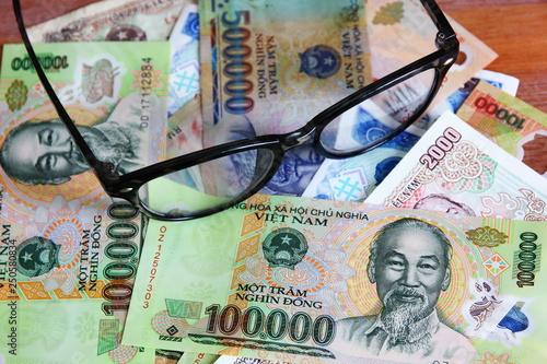 dong Vietnam money Vietnamese banknotes many worth Ho Chi Minh image