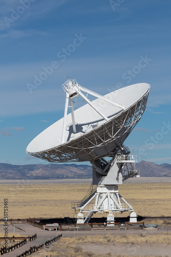 Fotografie, Tablou  Very Large Array radio astronomy observatory dish, engineering science technolog