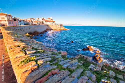 Photo Antibes historic old town seafront and landmarks view