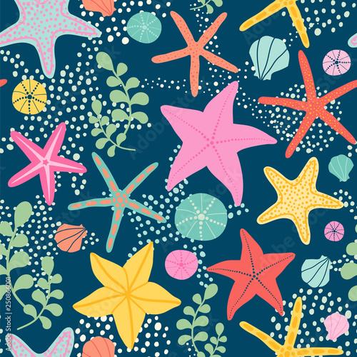 Fotografía  Seamless vector pattern with starfish on the dark background.