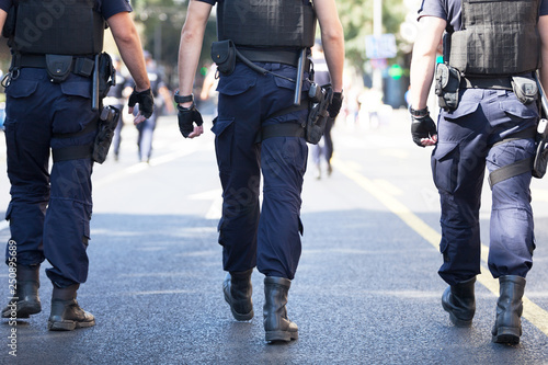 Foto Police officers on duty