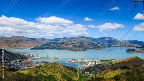 Foto auf AluDibond Rosa dunkel Christchurch Gondola and Mount Pleasant in New-Zealand